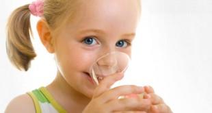 Какую воду давать ребенку